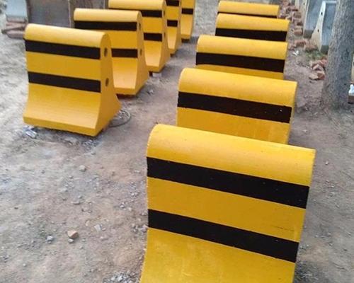 郑州水泥隔离墩内加钢筋的用途和作用